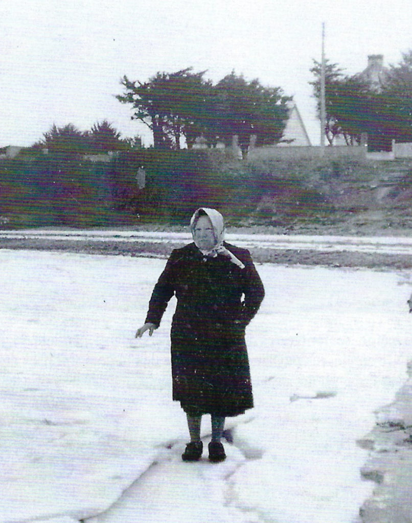 La baie de Kervoyal gelée en 1963