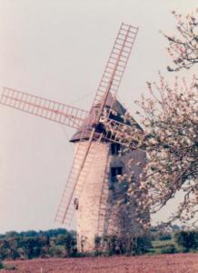 le moulin de kervoyal avec ses ailes